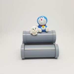 Doraemon-pho-tuong-than-khong-lo-Pero-san-bong---30k.jpg