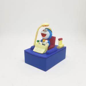 Doraemon-pho-tuong-than-khong-lo-co-may-thoi-gian.jpg